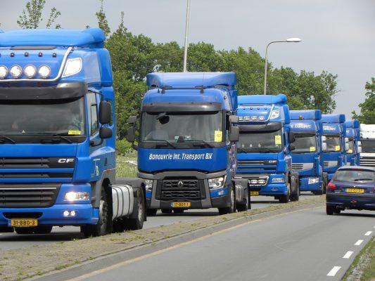 truco para camioneros: Conducir un camión en grupo