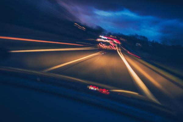 conducir de noche una furgoneta