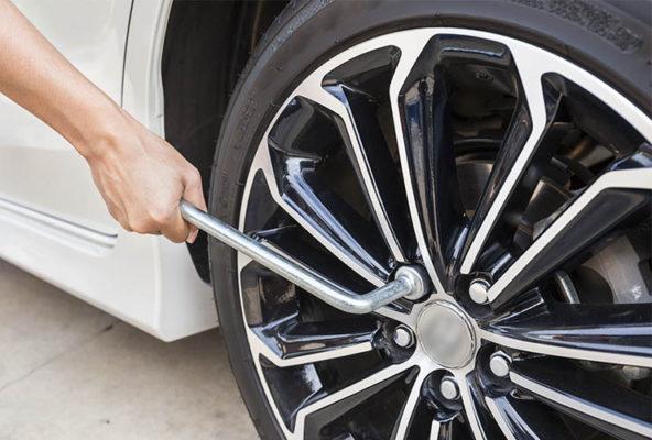 Cambiar la rueda de la furgoneta
