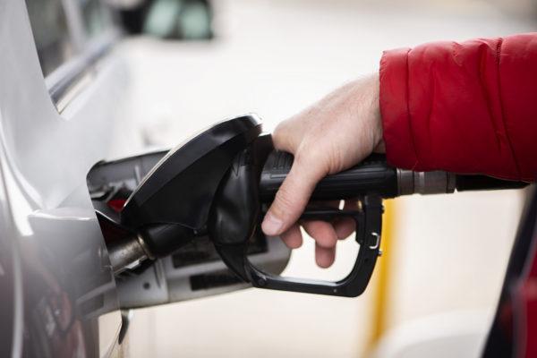 repostar-gasolina-furgoneta-de-alquiler